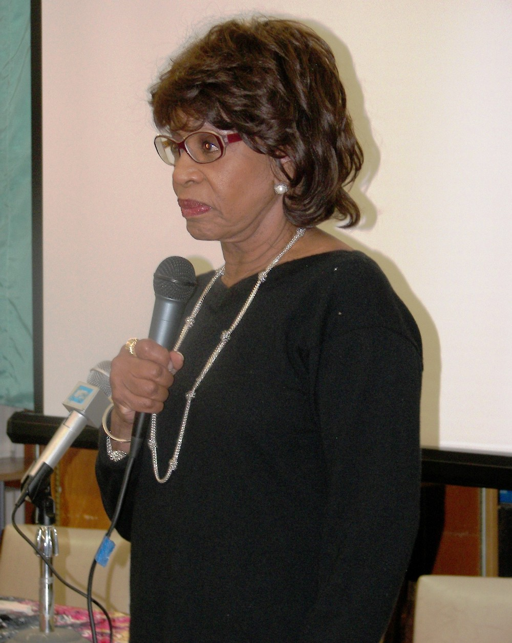 Congresswoman Maxine Waters speaks at LA Community Dialogue
